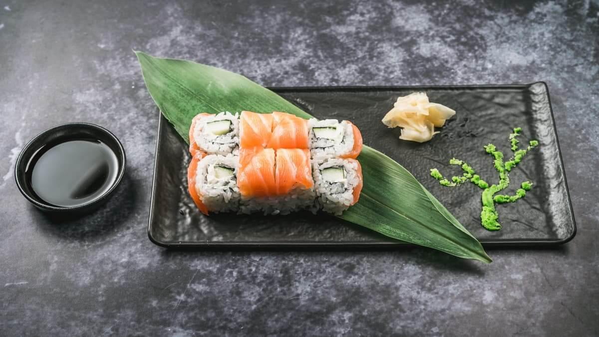 najbolji sushi u zagrebu philadelphia uramaki roll