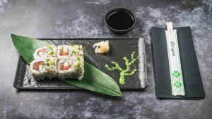 najbolji sushi u zagrebu spicy tuna uramaki roll