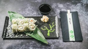 najbolji sushi u zagrebu Suzuki uramaki roll