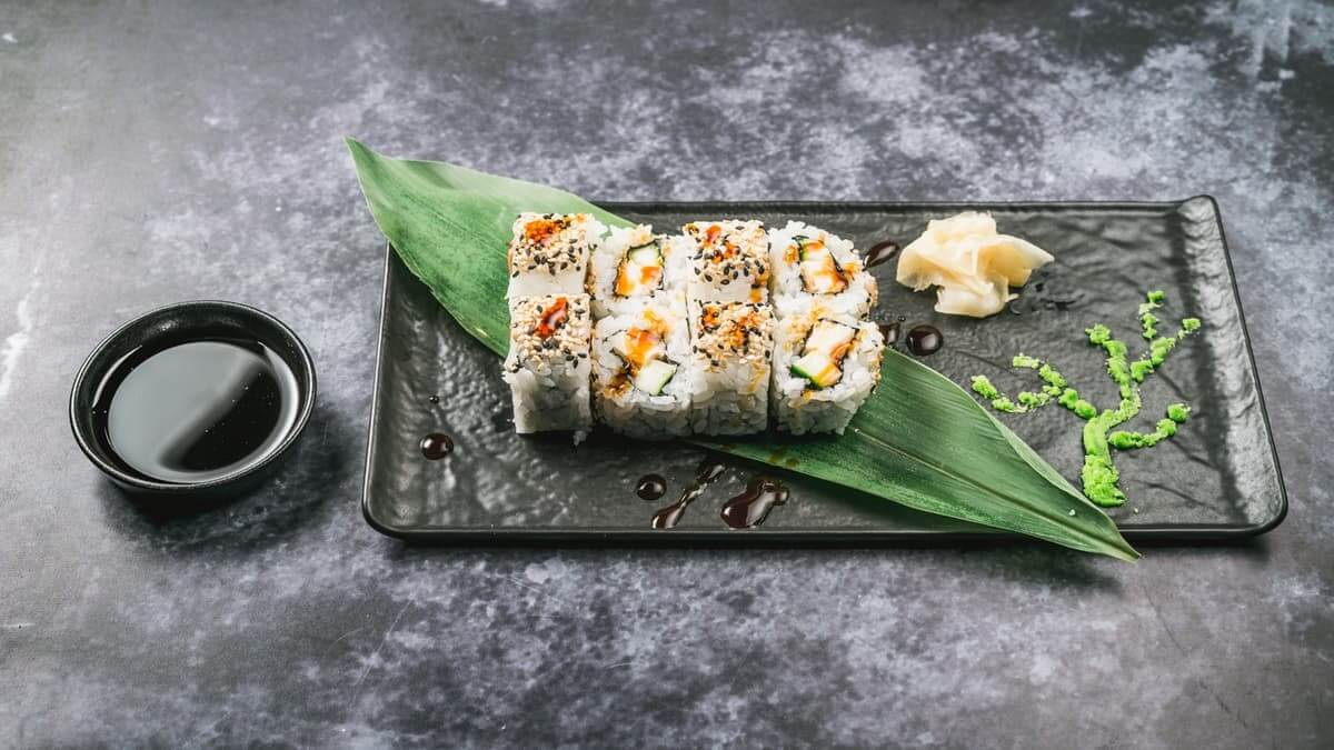 najbolji sushi u zagrebu teriyaki chicken uramaki roll